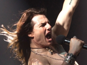 Tom-Cruise-Stars-in-Rock-of-Ages-movie