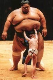sumo-and-kid-679x1024