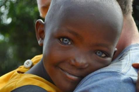 Belas-criancas-negras-de-olhos-azuis-Preguica-Mental-141