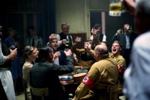 ELSER Bild 47 Georg Elser (Christian Friedel) NSDAP Leute Foto: Bernd Schuller Tel: 0049-171-1934908