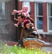 Brad Pitt and Marion Cotillard film a scene for the movie 'Five Seconds of Silence' in London Featuring: Brad Pitt Where: Surrey, United Kingdom When: 31 Mar 2016 Credit: WENN.com