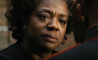 Viola Davis plays Rose Maxson in Fences from Paramount Pictures. (screen grab) (CR: Paramount Pictures)