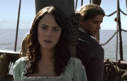 Carina Smyth (Kaya Scodelario) und Henry (Brenton Thwaites)